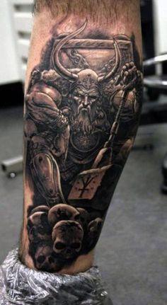tatuaż wiking i czaszki