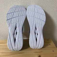 Runcas180 #072 HOKA ONE ONE Carbon X、マルチポケット・パンツ – GEEK_XS The One, Running Shoes, Geek Stuff, Slippers, Runing Shoes, Geek Things, Slipper, Flip Flops, Sandal