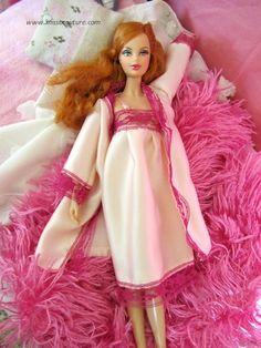 Free Barbie Doll Sewing Pattern: nightgown by Debra Williamson Sewing Barbie Clothes, Barbie Sewing Patterns, Doll Clothes Patterns, Doll Patterns, Free Barbie, Barbie Miss, American Girl, Barbie Accessories, Night Gown