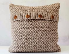 Knit pillow cover beige knitted chunky pillow by pillowlink Chunky Knitting Patterns, Baby Knitting, Knitted Cushions, Style Minimaliste, Knit Pillow, Decorative Pillow Cases, How To Make Pillows, Beige, Cloth Napkins