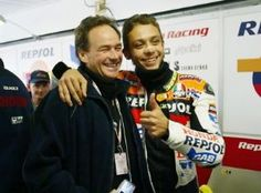 Valentino Rossi & Barry Sheen 2002 Motorcycle Racers, Racing Motorcycles, Valentino Rossi 46, Vr46, Famous Stars, Champions, Road Racing, Special People, Sport Bikes