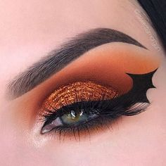 // Such a great idea! Who else is excited for Halloween as much as I am? @swayzemorgan @jlpsoaresx ----------- #halloween #october #fall #orange #black #makeup #mua #eyeliner #bat #glitter #cosmetics #holiday #scary #spooky #fun #insta #instadaily #instapic #instahalloween #halloweenmakeup #halloween2017