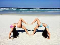 cute pictures to take with your best friend at the beach - Google Search