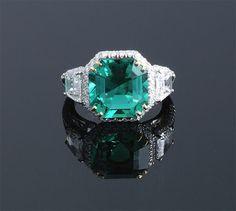 Emerald Cut Colombian Emerald Ring E=4.90cts + D=1.63cts Platinum (20 x 13mm)