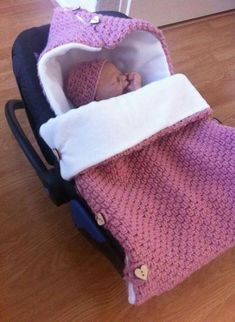 Best Crochet Baby Sleep Sack Free Pattern Newborns Ideas - - Knitting patterns, knitting designs, knitting for beginners. Crochet Baby Cocoon, Newborn Crochet, Free Crochet, Crochet Baby Sweaters, Ravelry Crochet, Blanket Crochet, Baby Patterns, Crochet Patterns, Baby Knitting Patterns Free Newborn