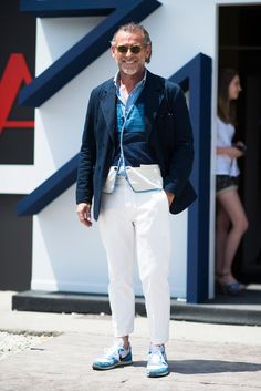 Alessandro Squarzi… Outside the Spring/Summer 2015 Pitti Uomo Shows. Photo by Adam Katz Sinding. Best Mens Fashion, Men's Fashion, Mature Fashion, Men Street, Well Dressed Men, Vintage Denim, Stylish Men, Streetwear Fashion, Casual Looks