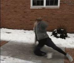 氷の上で滑るブレイクダンスが超かっこいいぞ! | @Atsuhiko Takahashi (アットトリップ)  (via http://attrip.jp/124634/ )