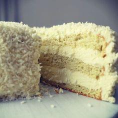 tort paleo, bezglutenowy i bezmleczny, kokosowo-waniliowy Krispie Treats, Rice Krispies, Paleo, Vanilla Cake, Healthy Recipes, Healthy Food, Birthday Cakes, Cook, Fit