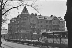 Sipoon kirkon keltavihreä seurakunta * Raitiovaunuliikenteen kulta-aikaa 1926 * 8.5.2000 © Juhani Ruotsalo