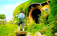 """BROTHERTEDD.COM - thorinds: """"In a hole in the ground there lived a..."""