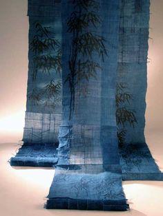 Scale the applique designs for garments. Textile Fiber Art, Textile Artists, Bleu Indigo, Traditional Fabric, Korean Art, Textile Fabrics, Applique Designs, Fabric Art, Installation Art