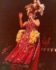Elis Regina durante a apresentação do espetáculo Falso Brilhante em 1976