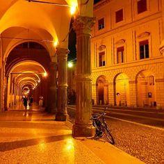 Buonanotte Bologna - Instagram by maraangelini733 Bologna, Sweet Home, Places, Colours, Beautiful, Instagram, Houses, Italia, Sicily
