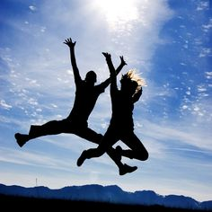 Tu poti schimba calea pe care mergi, poti transforma intunericul in lumina - TotulPentruNoi Acerola, Rhonda Byrne, Jumping For Joy, Positive Psychology, Psychology Today, Good Habits, Boost Your Metabolism, Slow Metabolism, Happy People