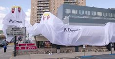 Burger King restaurant dresses up as a McDonald's for Halloween www.sta.cr/2Bzz5 #funny #fastfoodwars