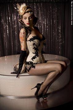 Celebrita pose sexy