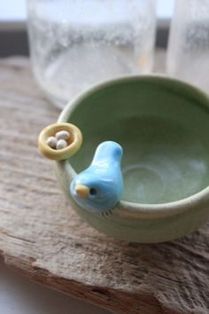Custom-Made Bird and Nest Mini-Bowl - 3 to 5 Weeks for Delivery di tashamckelvey su Etsy https://www.etsy.com/it/listing/79266240/custom-made-bird-and-nest-mini-bowl-3-to