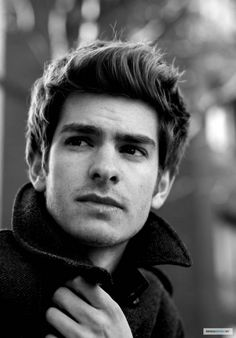 I was a little concerned that the absence of James Franco meant no eye candy for me in the new Spiderman movie, but Andrew Garfield is quite the hottie himself ♥