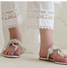 Best 12 bottoms – Page 559361216220035553 – SkillOfKing. Simple Kurti Designs, Salwar Designs, Kurti Neck Designs, Dress Neck Designs, Stylish Dress Designs, Kurti Designs Party Wear, Simple Pakistani Dresses, Pakistani Fashion Casual, Pakistani Dress Design