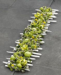 Make this as a centre piece using the wedding flowers. a stunning table runner floral decoration from my favourite florist in the world Valentijn, shame it's all the way in Friesland (north Holland!) Hanneke is a creative genius Design Floral, Deco Floral, Art Floral, Ikebana, Fleur Design, Modern Flower Arrangements, Funeral Flowers, Floral Centerpieces, Centrepieces