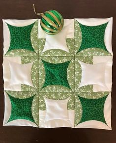 The 45 best Quilts - Japanese Folded Patchwork Patterns, Quilt Block Patterns, Pattern Blocks, Quilt Blocks, Patchwork Pillow, Colchas Quilting, Quilting Projects, Quilting Designs, Circle Quilts