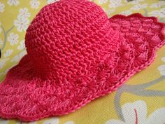 Flared Shell Brimmed Hat crochet pattern - for notes on this particular hat, scroll down to the bottom of the page. Crochet Adult Hat, Crochet Summer Hats, Bonnet Crochet, Mode Crochet, Crochet Beanie, Knit Or Crochet, Crochet Scarves, Crochet Crafts, Crochet Clothes