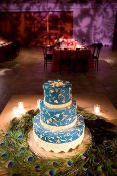 blue-peacock-wedding-cake.jpg 432×648 pixels