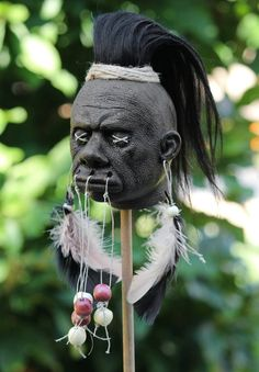 Make-Your-Own Shrunken Head Kit by TheShrunkenHeadShop on Etsy Witch Doctor Costume, Voodoo Costume, Voodoo Halloween, Halloween Make, Voodoo Dolls, Voodoo Priestess Costume, Halloween 2019, Hawaiian Party Decorations, Halloween Decorations