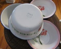 enamelware bowls roses floral on white w blue trim 2 different sizes set 4 china