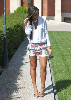 Discover and organize outfit ideas for your clothes. Decide your daily outfit with your wardrobe clothes, and discover the most inspiring personal style Cute Summer Outfits, Short Outfits, Spring Outfits, Trendy Outfits, Cool Outfits, Fashion Outfits, Look Fashion, Trendy Fashion, Fashion Styles