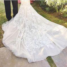 The prettiest train for our beautiful bride. 💕 @inbaldrorofficial | regram @lucyfranco #roandcoevents