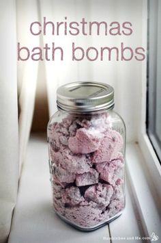 How to Make Homemade Christmas Bath Bombs   Herbs and Oils Hub