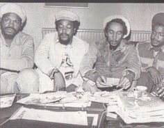 **Bob Marley** Claudius 'Claudie' Massop, Anthony 'Tony' Welsh & Earl 'Tek Life' Wadley, London, UK, 1977. More fantastic pictures, music and videos of *Robert Nesta Marley* on: https://de.pinterest.com/ReggaeHeart/