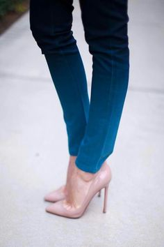 Nude pumps + ombre skinny jeans.