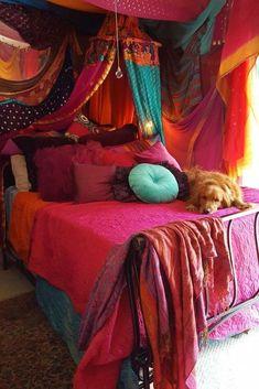 Trendy Diy Home Decor Bohemian Moroccan Style Bedroom Ideas Ideas Purple Bedrooms, Purple Bedding, Neutral Bedrooms, Trendy Bedroom, Funky Bedroom, Blue Duvet, Bedroom Modern, Gypsy Bedroom, Woman Bedroom