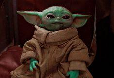 Yoda Gif, Yoda Images, Minion Baby, Cuadros Star Wars, Yoda Funny, Gifs, Star Wars Pictures, Star Wars Baby, Custom Lego