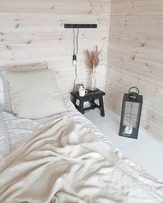 """Sanna on Instagram: """"Meillä on täällä mökillä aurinkosähkö sähköjärjestelmänä, eli omavaraisia ollaan sen suhteen🤗 . Ennakkoluulojen jälkeen en ole päivääkään…"""" Bed, Furniture, Instagram, Home Decor, Decoration Home, Stream Bed, Room Decor, Home Furnishings, Beds"""