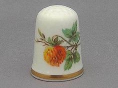 Caverswall Thimble - Strawberries (i)