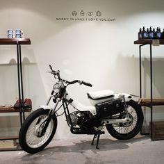 A new arrival to the Melbourne Pop Up Store. Thanks Jim Clark for this classic custom postie. Honda Motorbikes, Honda Motorcycles, Custom Motorcycles, Pop 100, Motorised Bike, Honda Cub, Custom Bobber, Motor Scooters, Mini Bike