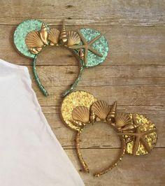 Mermaid Sea Shell Ears- The perfect Ariel ears or mermaid ears for your Disney cruise- I have mermaid Mickey ears too. Disney Diy, Diy Disney Ears, Disney Mickey Ears, Disney Bows, Disney Crafts, Disneyland Ears, Disney Headbands, Diy Y Manualidades, Mermaid Diy