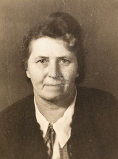 Old woman in 1940s