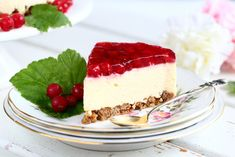 Herkullinen punaherukka-juustokakku - Suklaapossu Tex Mex, Tiramisu, Cheesecake, Baking, Ethnic Recipes, Desserts, Food, Tailgate Desserts, Deserts