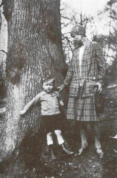 Marina Tsvetaeva with her son Georgij Efron, Meadon, Old Photos, History, Children, Vintage, Authors, Women's Fashion, Heart, Inspiration, Literature