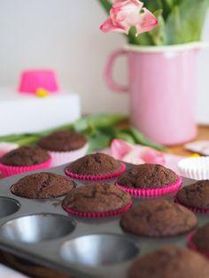 Parhaat ja pehmeimmät Suklaamuffinssit | Annin Uunissa Chocolate Muffins, Cereal, Anna, Cupcakes, Cooking, Breakfast, Birthday, Food, Chocolate Chip Muffins