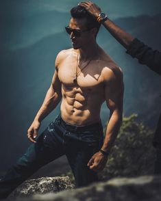 Top 15 most fittest Bollywood actors giving serious fitness goals to many. Bollywood Cinema, Bollywood Actors, Bollywood Celebrities, Tiger Shroff Body, Fitness Goals, Fitness Motivation, Bodybuilding, Abs Boys, Tiger Love