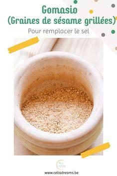 """Découvrez ma recette du gomasio """"maison"""" (à base de sésame torréfié): la meilleure alternative au sel de cuisine! Riche en vitamines et minéraux, le #gomasio est bien plus sain que son homologue raffiné. Il est préférable au sel de table car l'huile provenant des graines de sésame légèrement broyées qui enrobe le sel,rend ce dernier plus assimilable par l'organisme que le sel de table ordinaire #facile #cuisine Girl Cooking, French Girls, Coin, Lifestyle, Cooking Recipes, Natural Health"""