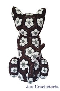 Africanflowercatcrochetpattern_small2