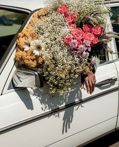 EE YOU ON SUNDAY 💋 Direction le week-end et notre Précollection Automne haute en couleurs ce Dimanche ;) - The highlight of the weekend to Beauty Dish, Milk Magazine, Tropical Landscaping, Flower Aesthetic, Arte Floral, My Flower, Flower Car, Flower Bomb, Pretty Flowers