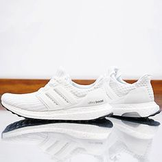 check out d7869 52253 Adidas Ultra Boost 4.0 Running White. Chaussures ...