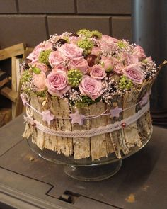 Do this but with wild flowers. Art Floral, Design Floral, Deco Floral, Floral Cake, Love Flowers, Fresh Flowers, Beautiful Flowers, Wild Flowers, Flower Decorations